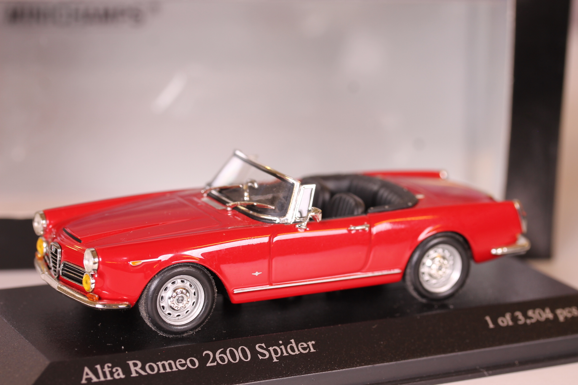 *1/43 Minichamps 400120630 1964 Alfa Romeo 2600 Spider red