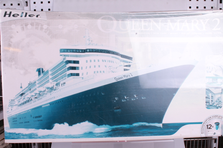 *1/600 Heller 52902 Queen Mary 2 (solbleget box)